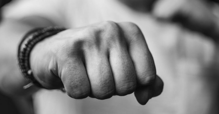 Do boxers have to register their hands?
